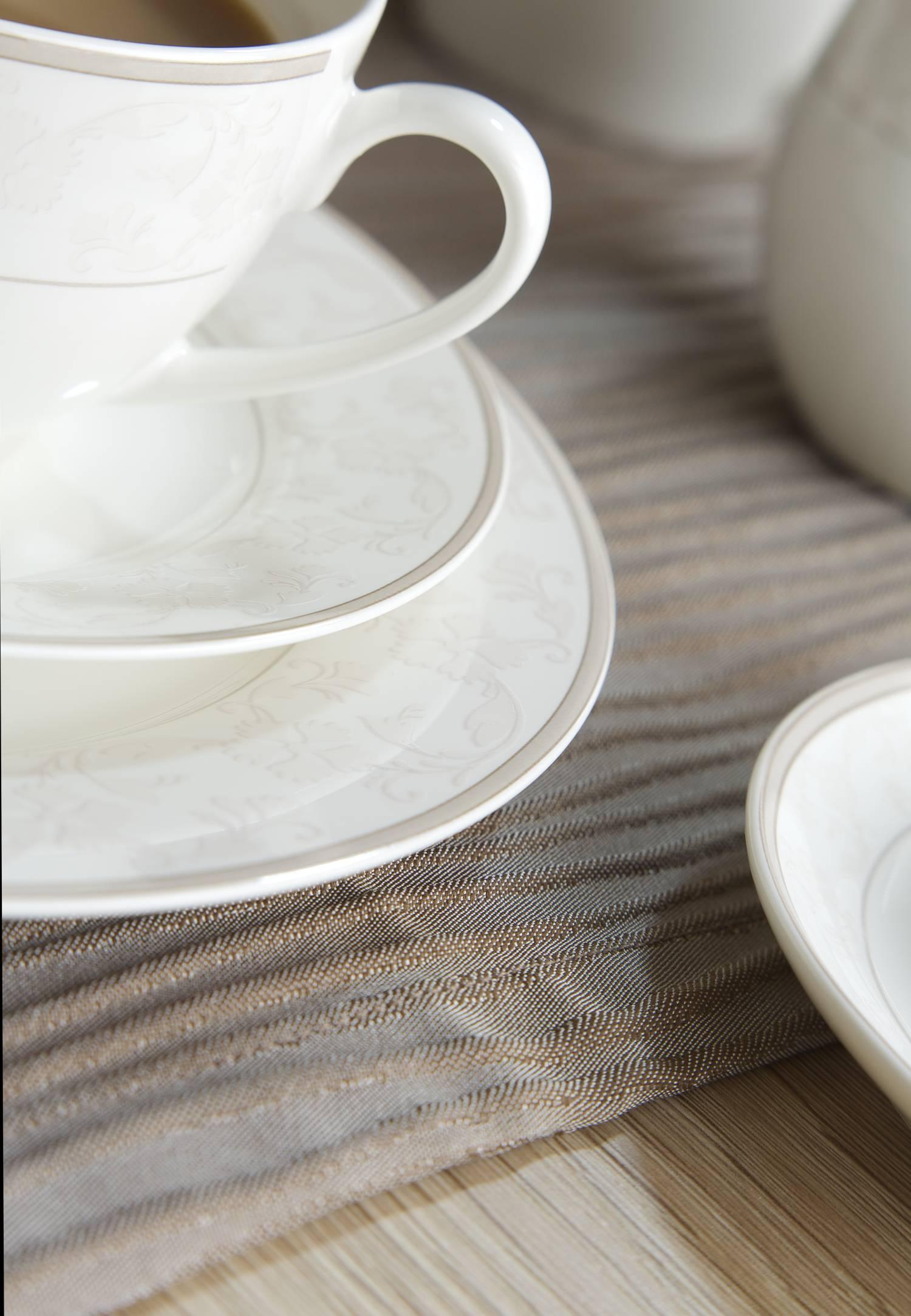 ritzenhoff und breker via kaffeeservice porzellan serie isabella 18 tlg neu gastro. Black Bedroom Furniture Sets. Home Design Ideas